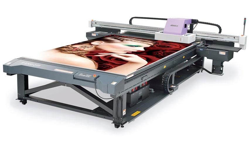 Impresora Mimaki para soportes rígidos de gran formato. Nortecolor.