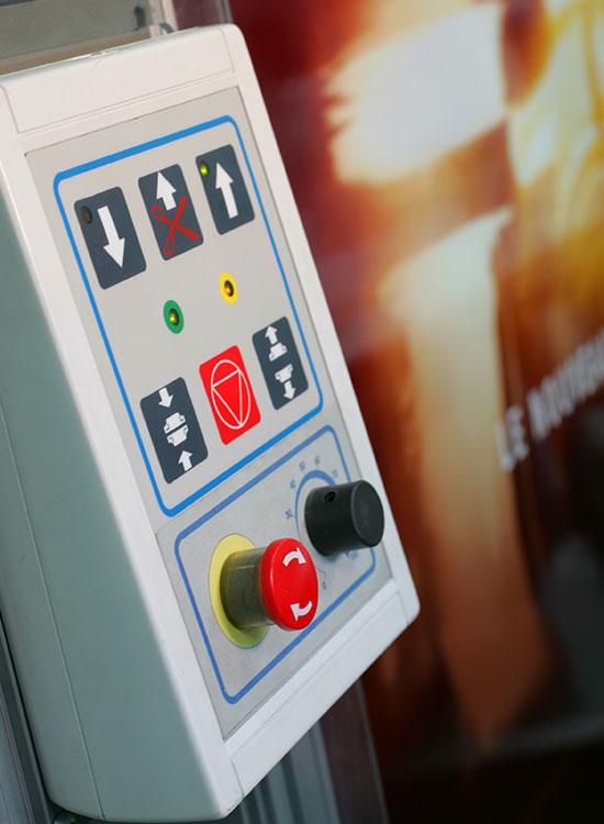 Detalle de máquina cortadora de foam de Nortecolor